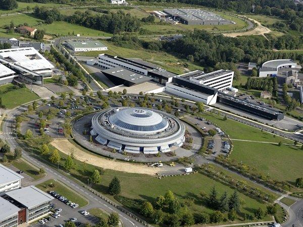 Bâtiment central Ester Technopole à Limoges