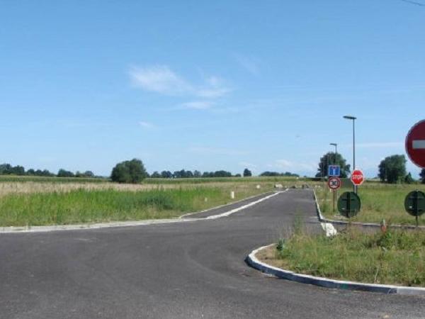 Terrain de 3,2 hectares à 1 km de l'aéroport Pau-Pyrénées