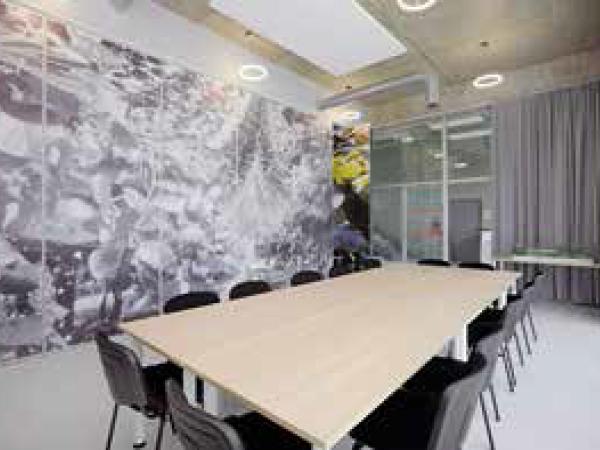 Bureaux, ateliers et entrepôts en hôtel d'entreprises à Vélines