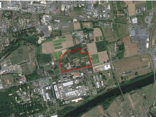 Terrain de 3,5 ha à proximité d'un site SEVESO à Bergerac