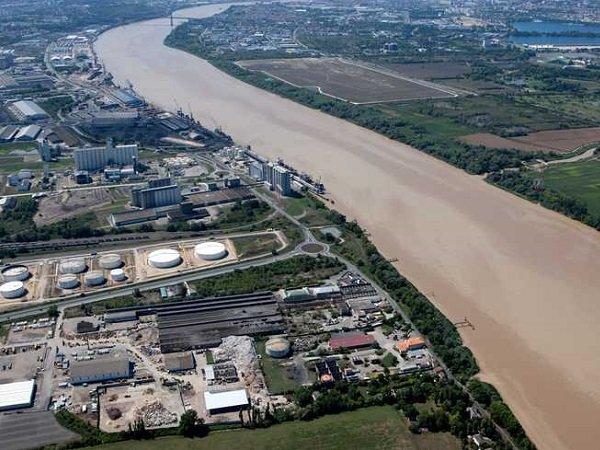 Terrains sur le port de Bordeaux