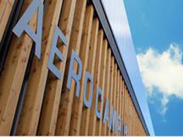 Bureaux en hôtel d'entreprises sur Aérocampus Aquitaine près de Bordeaux