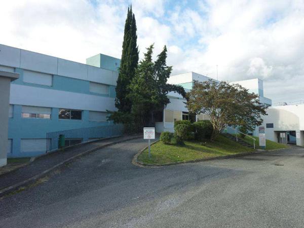Bâtiment à usage multiple de 6 965 m² près de Pau